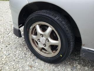 車のタイヤがバースト!?