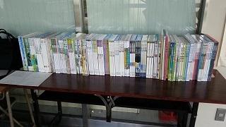 平成28年度使用教科書(小学校、中学校)の展示